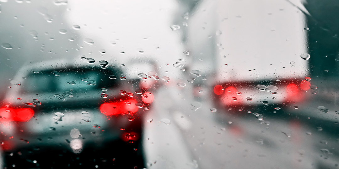 conducir con lluvia extrema